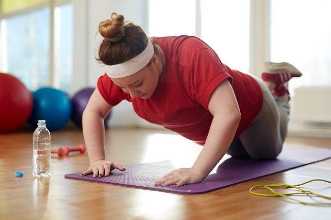 Tanto en el yoga como en pilates, la fuerza se focaliza en el centro del cuerpo