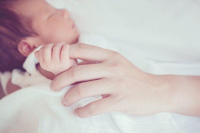 Los padres que tienen un niño con anencefalia tendrán riesgo de tener otro hijo con defectos en el tubo neural en el futuro
