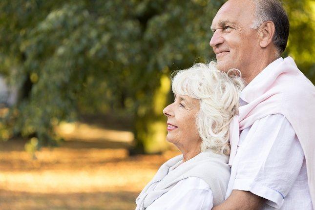 La mayoría de los cambios en la calidad de la voz están relacionados con la edad y se manifiestan después de los 60 años