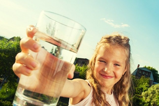 Cuando un niño se deshidrata es porque está perdiendo líquido