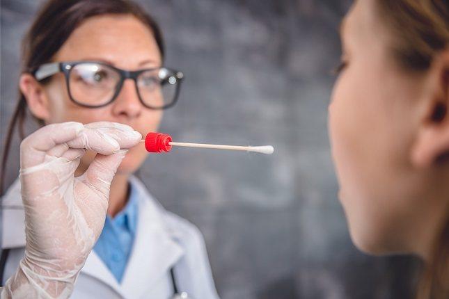 Es común el contagio de verrugas a través de la saliva