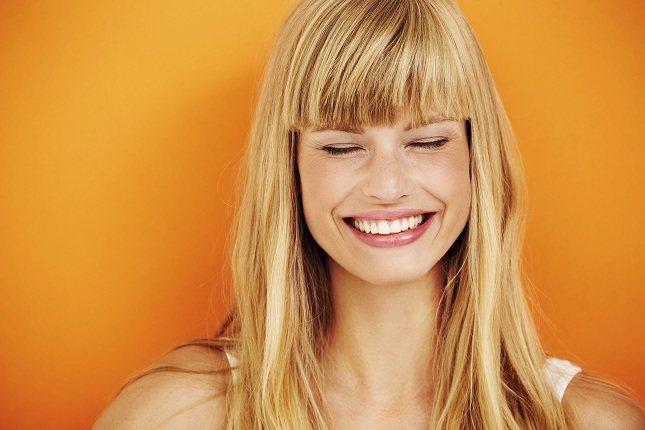 Tu cerebro registra los movimientos de los músculos de tu cara cuando sonríes