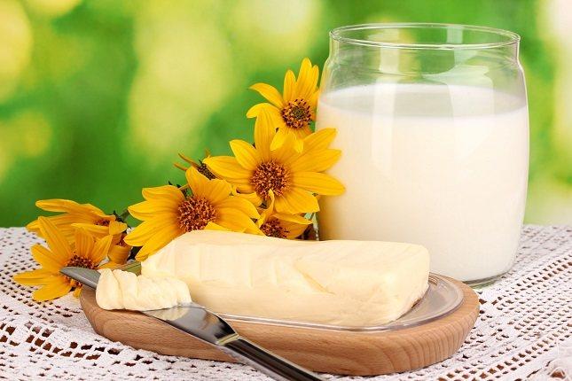 La margarina a menudo suena como si fuera más saludable que la mantequilla