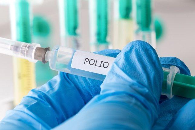 Prevenir la poliomielitis consiste en encontrar casos