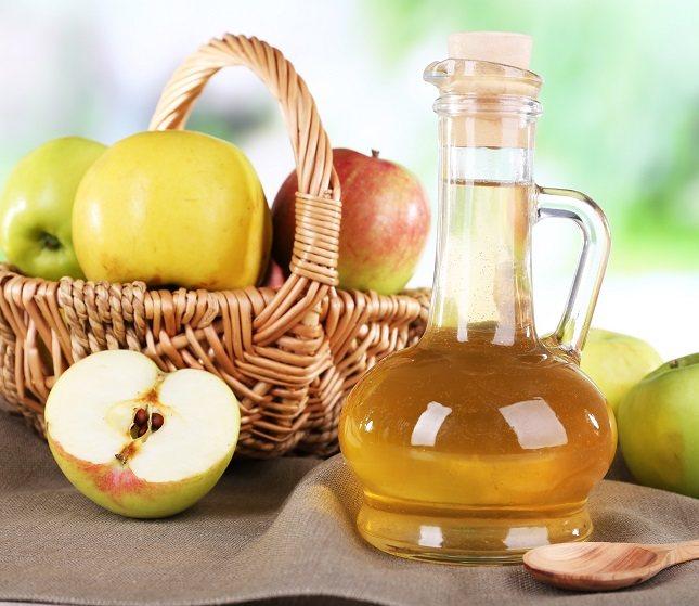La acidez del vinagre de manzana puede erosionar el esmalte dental