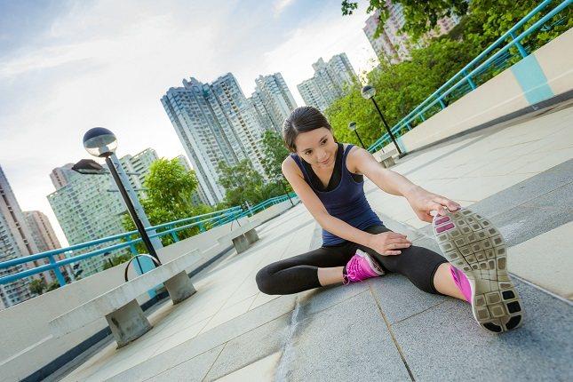 Hay personas que cuando comienzan a entrenar o a ejercitarse pasan por alto el estiramiento