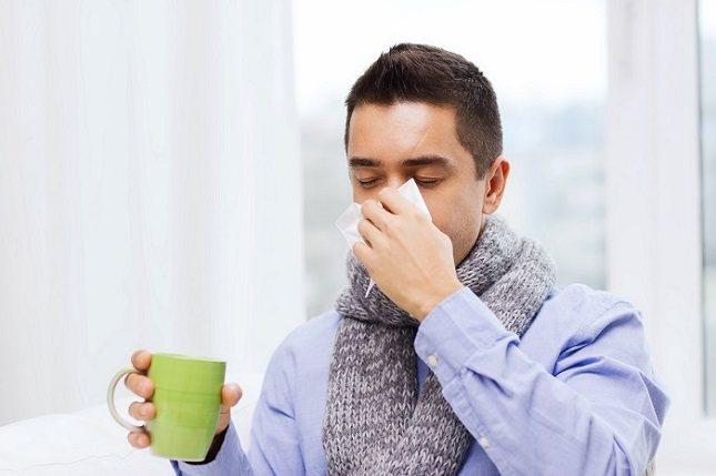 Cuando tenemos gripe es bueno que ingiramos una cantidad mayor de líquidos