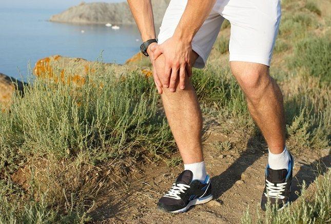 Si se te inflaman un poco las rodillas puedes usar paños de agua fría