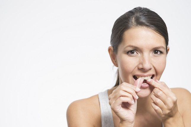 Hay muchos tipos de hilo dental disponibles