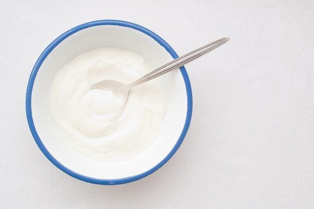El yogur puede ser una adición muy saludable a la dieta de tu niño pequeño