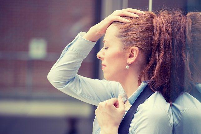 La migraña con aura puede tener varios síntomas