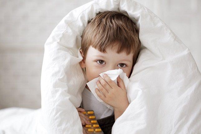 Lo primero que tendrás que hacer es observar los síntomas que tiene el niño
