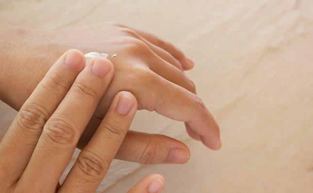 El eccema puede ser causado por una reacción alérgica