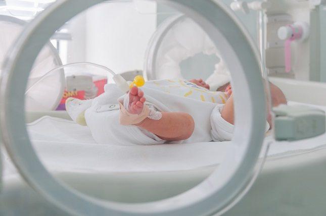 Los bebés recién nacidos pueden tener edemas en su pequeño organismo