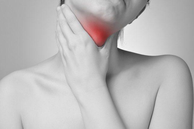 La deglución frecuente puede ser una señal de que el sitio quirúrgico está sangrando