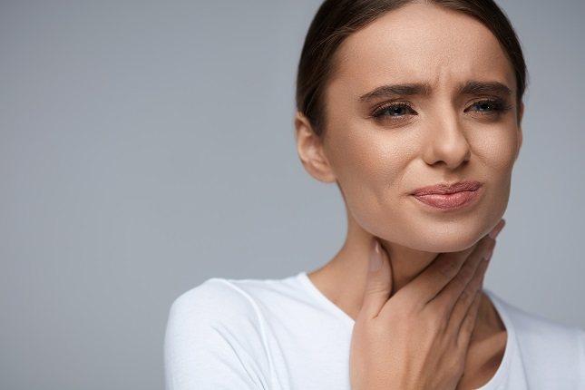 Las alergias a la inflamación de la garganta son una señal común de anafilaxia