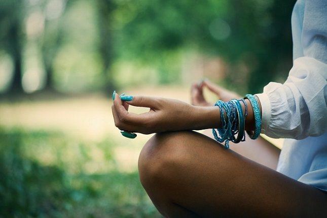 el Yoga se engloba dentro de las técnicas de relajación