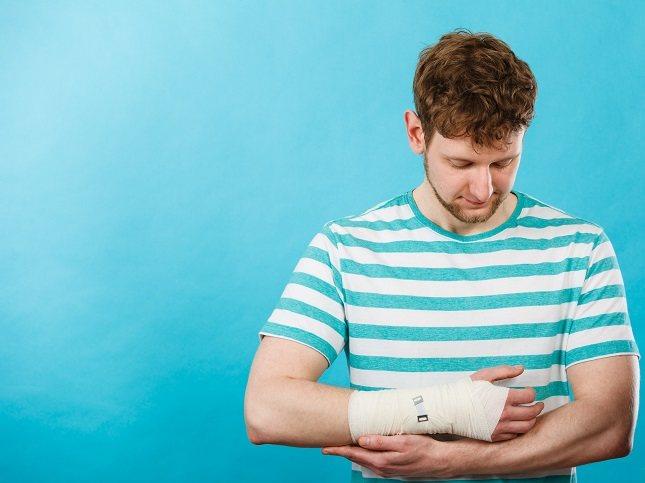 Una grieta (no solo una ruptura) en el hueso también se conoce como fractura