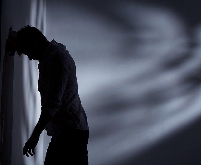 La esquizofrenia se diagnostica generalmente a fines de la adolescencia o principios de los años veinte