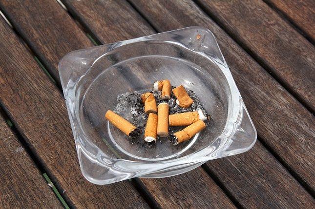 Son muchos los factores que pueden influir en que las personas fumen