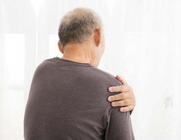 Cuando el dolor ya sea algo fácilmente soportable podremos comenzar los ejercicios de rehabilitación