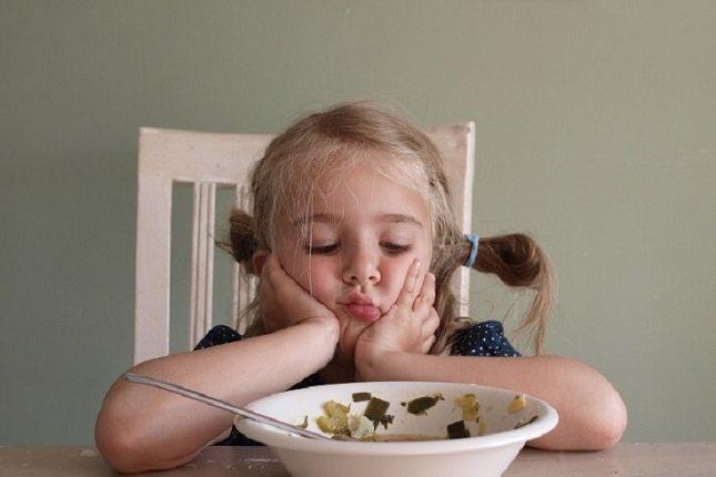 Prevenir la neofobia o tratarla adecuadamente serán factores clave para la felicidad del niño