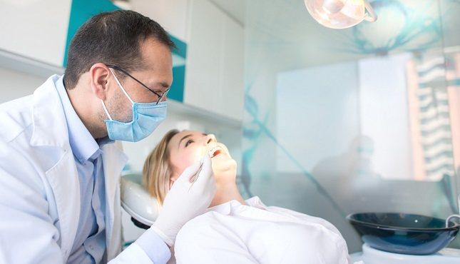 Lo más idóneo sería hacer este tipo de visitas al dentista cada medio año