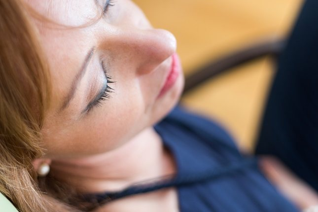 No es raro experimentar cierto nivel de olor corporal mientras duermes