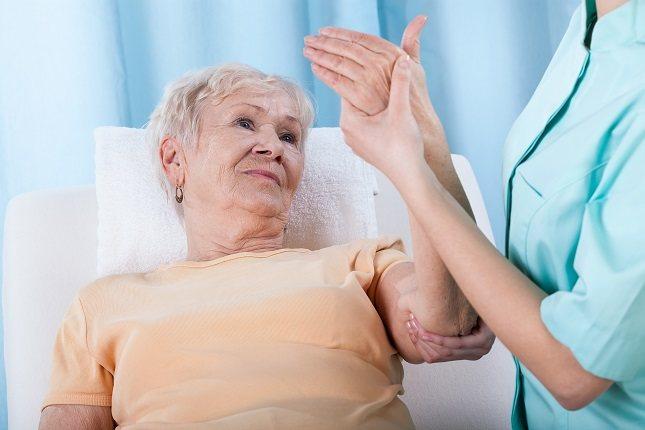 La osteoporosis es una enfermedad ósea degenerativa