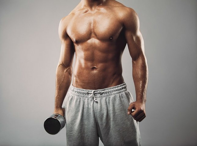 La hipertrofia muscular lleva tiempo y es relativamente lenta para la mayoría de las personas