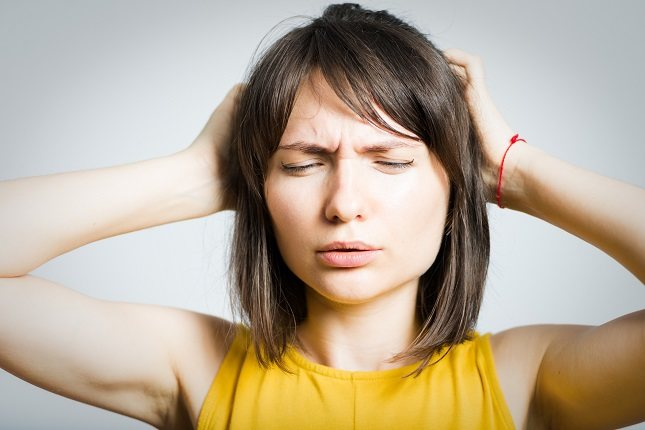 Los síntomas meníngeos se dividen en mayores o principales y menores