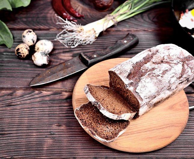 El pan blanco suele contener una gran cantidad de sodio