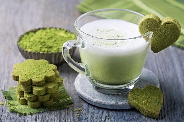 El té verde podría tener algún beneficio en la reducción de los niveles altos de andrógenos