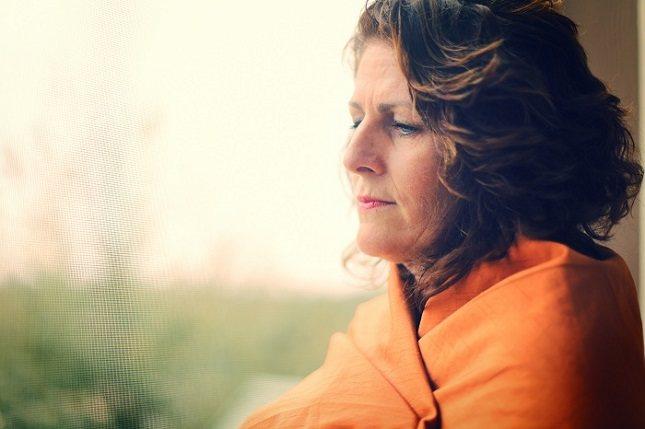 La menopausia describe el final de la menstruación y el ciclo reproductivo en las mujeres