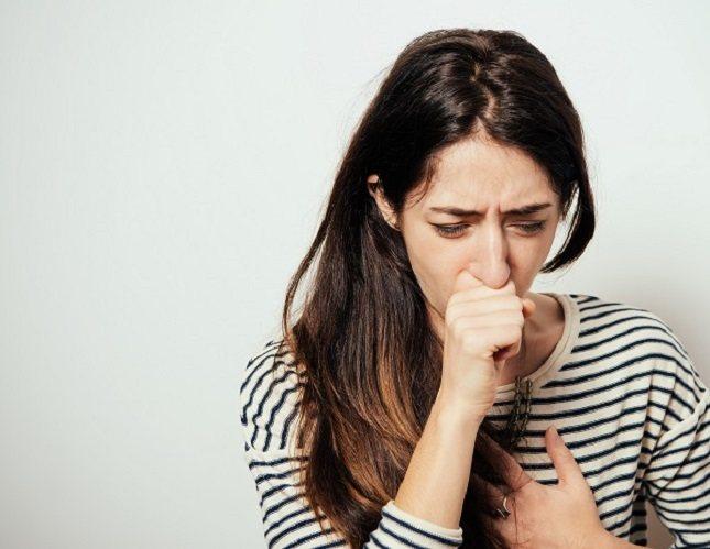 La neumonía es un trastorno respiratorio grave causado por bacterias o virus no tratados en el cuerpo