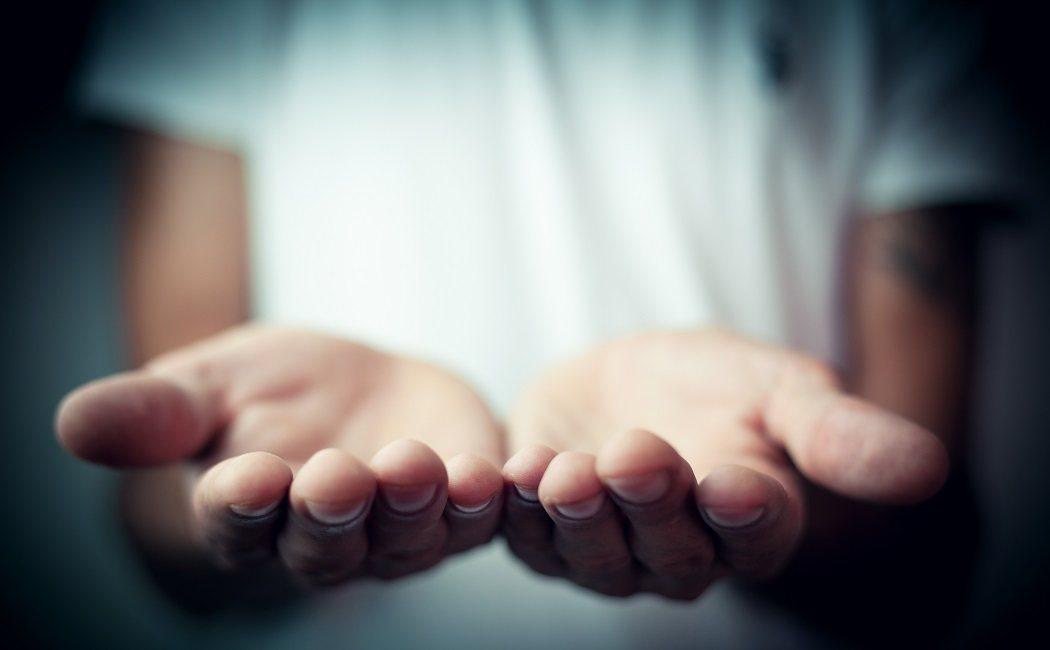 palmas de las manos rojas y ardor