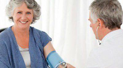 He pasado la menopausia, ¿qué aspectos de mi salud debo cuidar?
