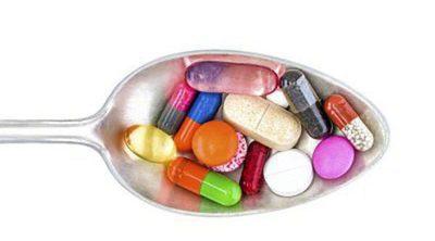 ¿Por qué los antibióticos llevan ácido clavulánico?