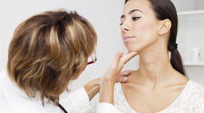 Cuál es el tratamiento para el hipotiroidismo y el hipertiroidismo