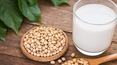 Los posibles peligros de tomar leche de soja