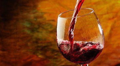 ¿Beber un vaso de vino al día protege tu corazón?