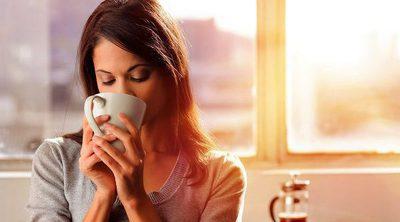 ¿Tomas café y eres mujer? ¡Necesitas saber esto!