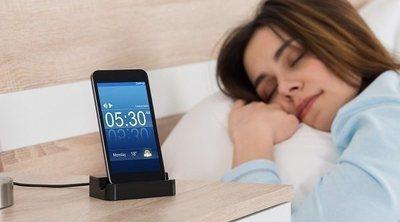 Dormir cerca de tu teléfono puede afectar a tu salud