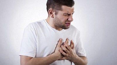 Por qué a un hombre se le puede inflamar la mama
